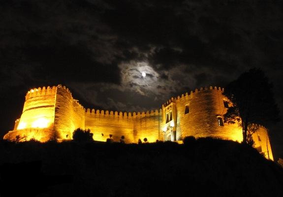 بررسی و مطالعه چاه اسرارآمیز قلعه فلک الافلاک توسط آّب منطقه ای لرستان